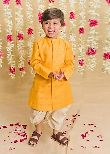 Yellow Kurta And White Dhoti Set In Silk With Zari Embroidered Buttis By Tiber Taber