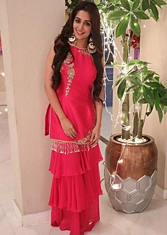 Buy Traditional Indian Clothing \u0026 Wedding Dresses for Women